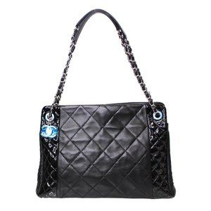 CHANEL CC Charm Quilted Lambskin Patent Leather